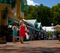 Palm Cove village shopping