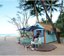 Our Seasonal Beachshack - Right On the Beach - enjoy a cocktail or two