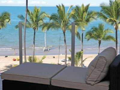 Island Views - Luxury Private Apartments